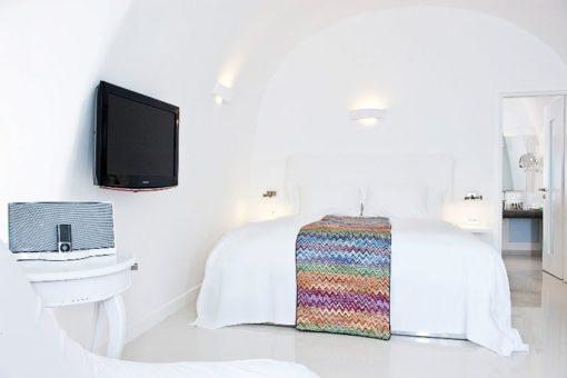 Chromata Hotel in Santorini - Naido Wedding