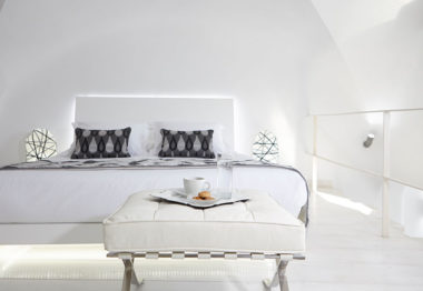Dreams Luxury Suites in Santorini - Naido Wedding