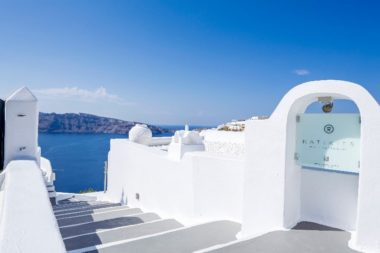 Katikies in Santorini - Naido Wedding