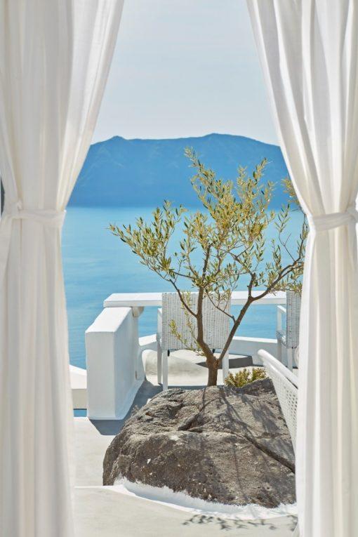 Sun Rocks in Santorini - Naido Wedding